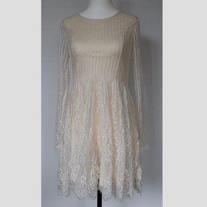 Beautiful Vintage-Style Cream Lace Dress